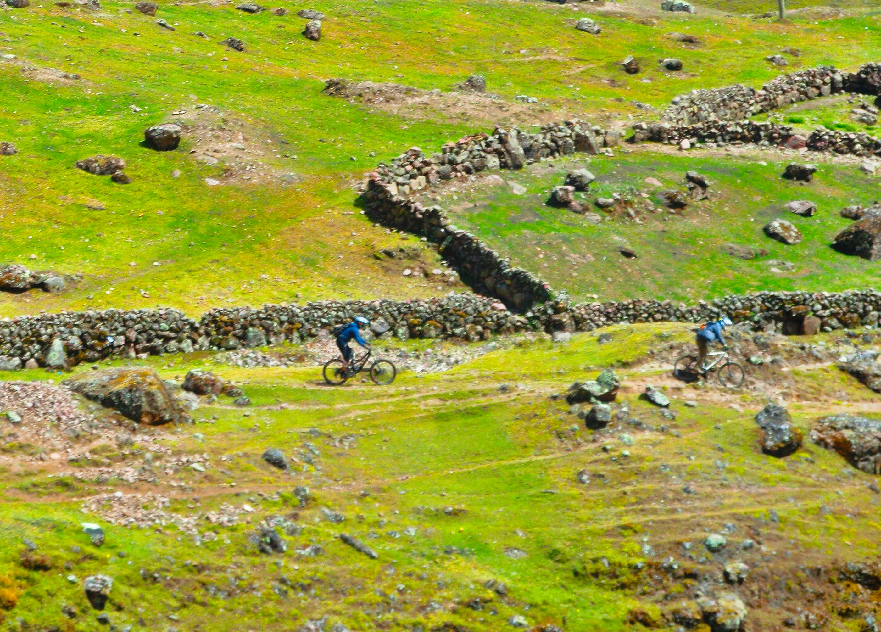 Image of two mountain bike riders in Peru's Sacred Valley