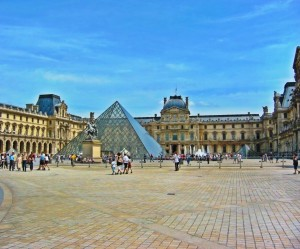 The-Louvre-Pyramid