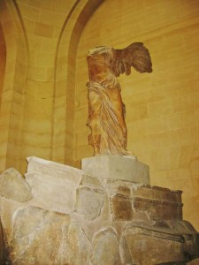 Winged-Victory-of-Samothrace-Side